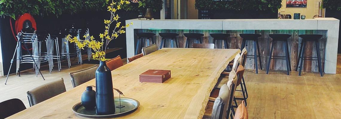 industriele tafel en bar