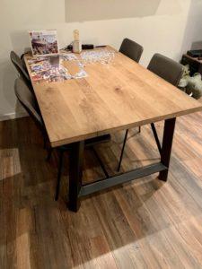 Als meubelmaker en lasser ineen kun je natuurlijk je eigen industriële meubelen maken. Dit zijn de meubels die Hans voor zichzelf heeft gemaakt.