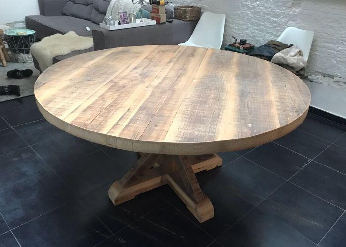ronde oude balken tafel van onderen 2
