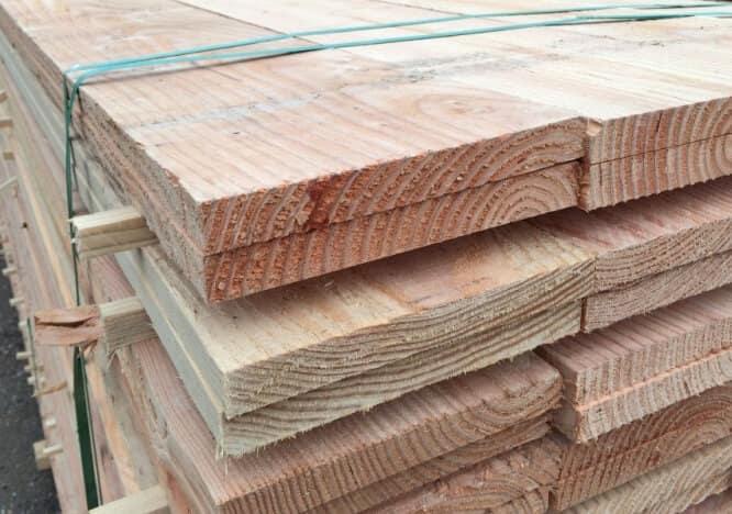 Douglas hout ongehandeld