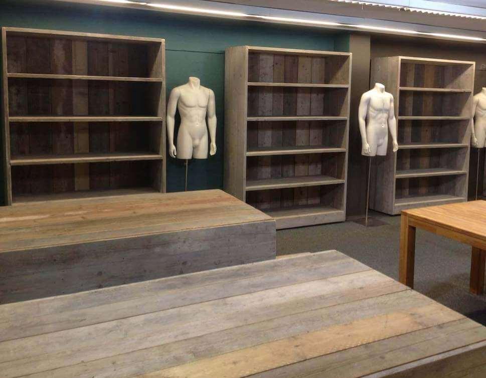 Maatwerk winkelinrichting van hout