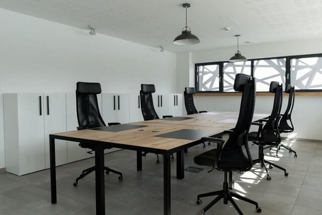 Meerdere werkplekken kantoor aan huis