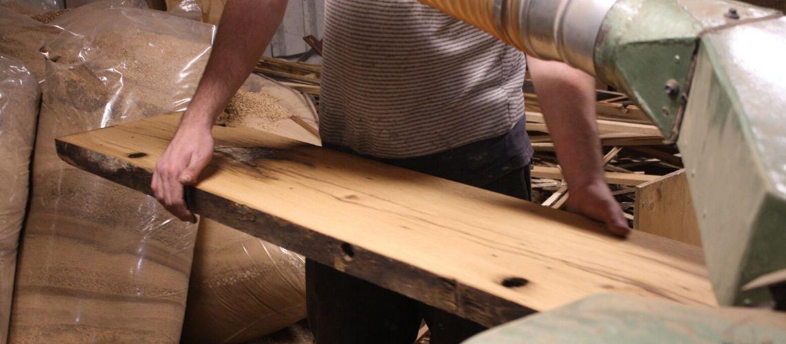 Bezig met maken maatwerk tafel