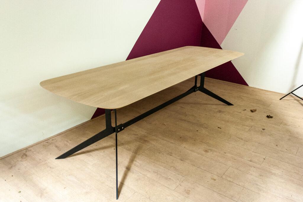 Half ovale tafel