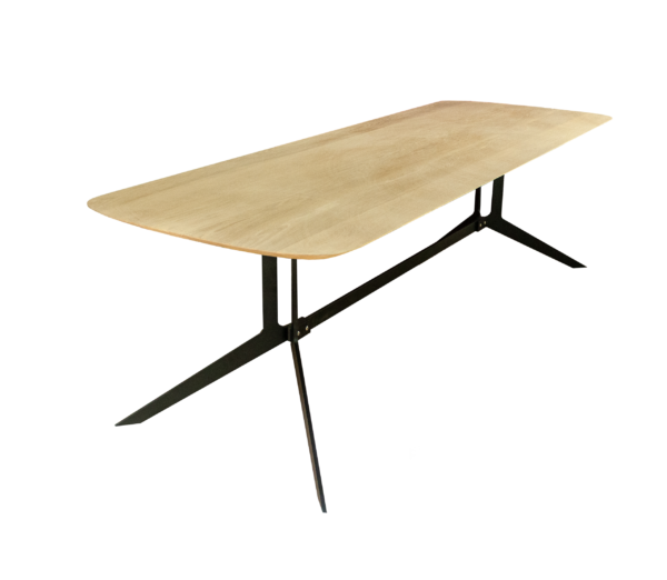 design-tafel-in-eikenhout